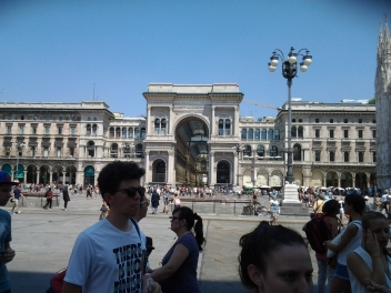 Πλατεία DUOMO